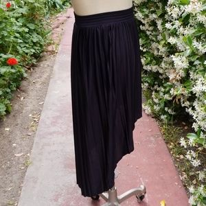 FOREVER 21 black high/low skirt, size Small